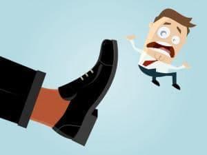 prawo pracy prawnik szczecin porada prawna adwokat szczecin skuteczny prawnik 300x225 - Pracownik naruszył obowiązki ale nie dostanie dyscyplinarki? - przekazanie zaufanemu podwładnemu loginu i hasła, kradzież mienia pracodawcy, zaatakowanie nożem współpracownika.