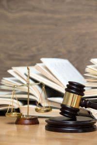 porady prawne zus renta niezdolnosc do pracy prawnik szczecin skuteczny podzial majatku 200x300 - Czy podjęcie zabronionego dodatkowego zatrudnienia oraz skierowanie aktu oskarżenia uzasadnia zwolnienie dyscyplinarne pracownika?