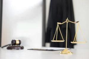 radca prawny adwokat szczecin odwolanie od decyzji zus renta wczesniejsza emerytura odwolanie od wypowiedzenia prawo pracy porada prawna 300x200 - Kiedy ZUS nie może odmówić umorzenia składek?