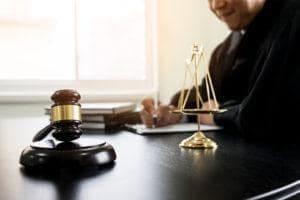 zus odwolanie od decyzji adwokat radca prawny szczecin prawo pracy krus skuteczny prawnik alimenty zachowek spadek testament 300x200 - Czy ZUS zasadnie odmawia umorzenia zaległych składek?